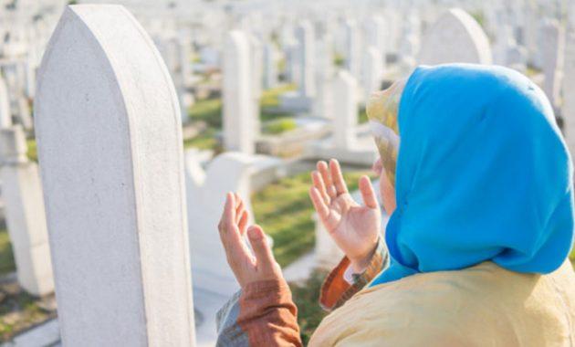 Cara doa ziarah kubur ke makan orang tua